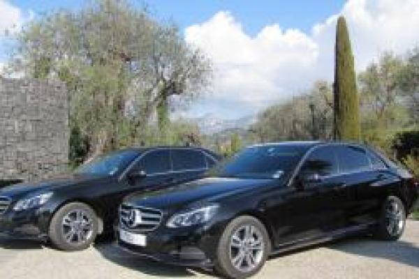 Berline Mercedes-Benz Classe E / Classe V/ VITO  <br> Classe S / TESLA