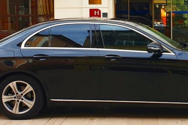 Hotels <br><span style =color:#AB8949><em>Partner private car driver</em></span>